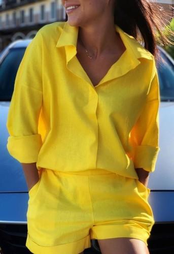Herbst lässiges gelbes Langarmhemd und passendes kurzes Set