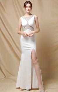 Vestido de noite elegante sereia sem mangas com frisado branco lado dividido