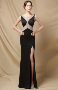 Vestido de noite elegante sereia sem mangas com frisos na lateral preta dividida