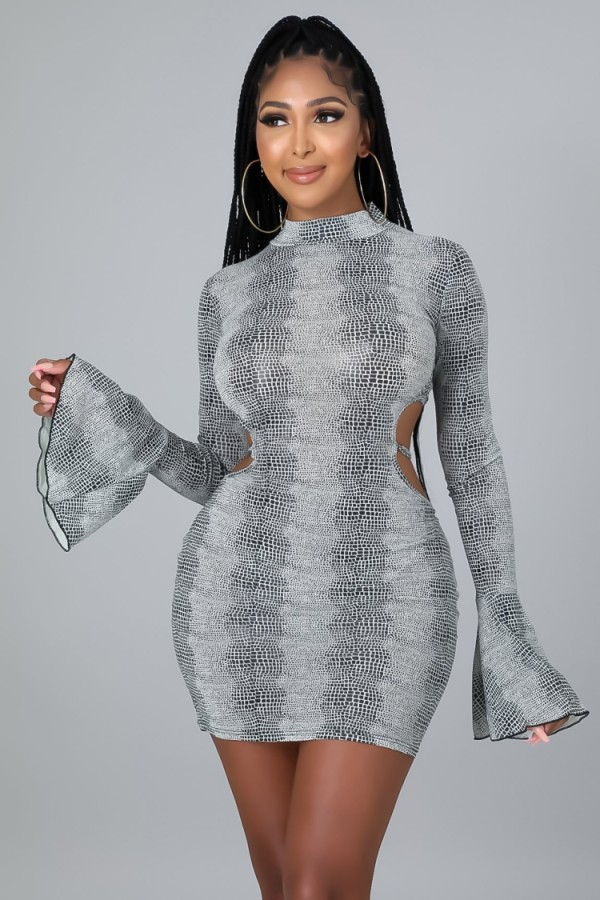 Autumn Gray Sexy Blackless Bodycon Dress with Flare Sleeve