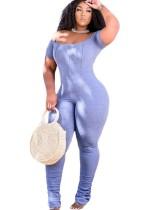 Mono de verano azul claro con hombros descubiertos y mangas apiladas