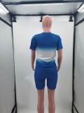 Conjunto de pantalones cortos de motociclista y camisa degradada a juego de dos piezas en azul informal de verano