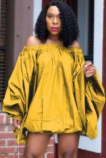 Mini vestido casual suelto con hombros descubiertos amarillo otoñal con manga abullonada