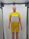 Conjunto de pantalones cortos de motociclista y camisa con degradado a juego de dos piezas en amarillo informal de verano