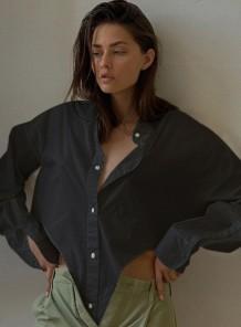 Осенняя черная свободная блузка с длинными рукавами неправильной формы