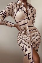 Vestido de blusa a media pierna con estampado de letras formales de otoño con mangas completas