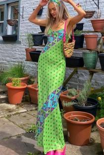 Abito lungo slim con stampa elegante estiva con cinturino verde
