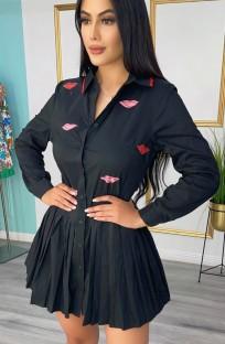 フルスリーブの秋のカジュアルな黒のプリーツミニドレス