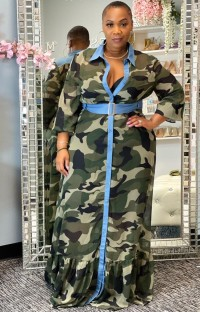 Langes Kleid mit Camou-Print im Herbst in Übergröße