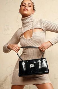 Осеннее простое мини-платье с вырезом под горло и длинными рукавами