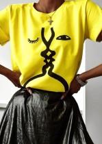 Camisa regular con cuello en O amarillo con estampado gráfico de verano