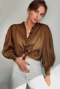 Осенняя коричневая свободная хлопковая блуза с объемными рукавами