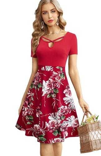 Robe patineuse longue à manches courtes à fleurs rouges d'été vintage