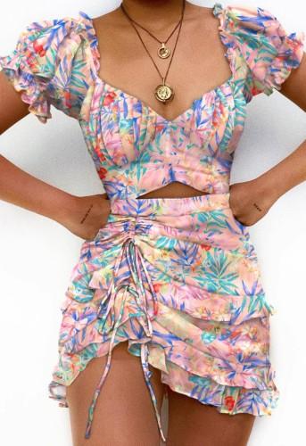Mini-robe irrégulière à volants à manches courtes et à découpes florales sexy d'été