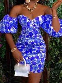 Mini abito con stampa blu estivo con spalle scoperte e maniche a sbuffo