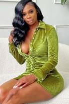 Vestido ajustado de manga larga con cuello abierto y botones verdes sexy de otoño