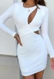 Herbst Elegantes weißes Minikleid mit Ausschnitten und langen Ärmeln