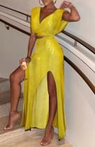 Conjunto de saia longa com decote em V formal de lantejoulas amarelo outono