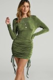 Herbstgrünes, langärmliges, schwarzloses Minikleid mit Dtrawstring