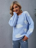 Herbstblauer weißer Wolken-Langarm-Pullover mit Rundhalsausschnitt