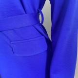 Herbstblaues Langarm-Blazerkleid mit Gürtel