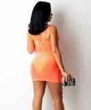 Sommer-Set mit Perlenbesetztem, orangefarbenem Träger-Crop-Top und Wickel-Minirock-Set