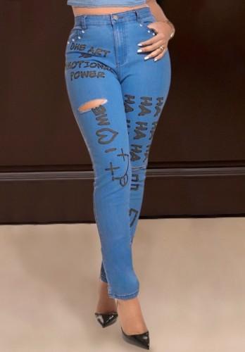 Blauwe getailleerde jeans met hoge taille en gescheurde herfstprint