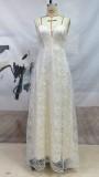 Sommer weißes langes Abendkleid mit Spitzenträgern und Blumen