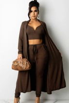 Set di 3 pezzi con top corto lavorato a maglia marrone autunno e pantaloni con cardigan abbinati