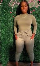 Conjunto de pantalón y top de manga larga ajustados en gris otoño