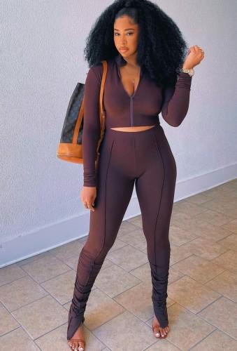Set di pantaloni slim e top corto con zip a maniche lunghe marrone autunno