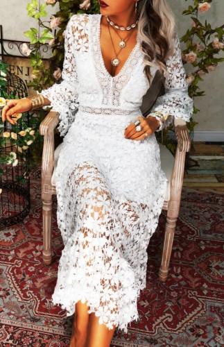 Vestido longo elegante fino de renda branca com decote em V