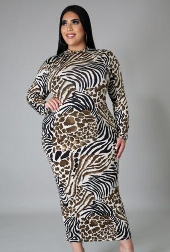 Slanke lange jurk met streepprint in grote maten voor de herfst