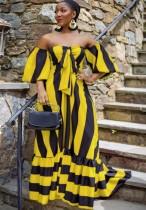 Vestido largo con hombros descubiertos y estampado de rayas amarillas