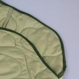 Chaqueta larga verde de invierno con botones
