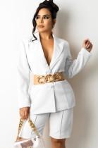 Conjunto elegante de blazer y pantalones cortos de otoño blanco