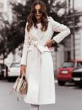 Abrigo largo de lana con cuello de cobertura blanco elegante de invierno con cinturón