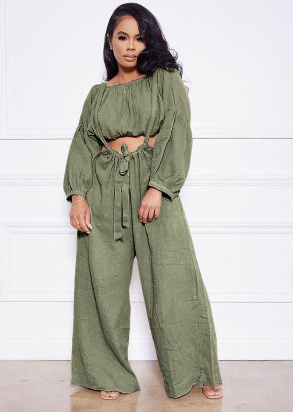 Conjunto de pantalones anchos con tirantes y top corto verde casual de otoño
