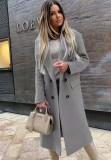 Chaqueta larga con cuello vuelto gris elegante de invierno con mangas completas