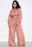 Conjunto de pantalones anchos con tirantes y top corto rosa casual de otoño
