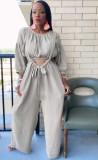 Conjunto de pantalones anchos con tirantes y top corto gris casual de otoño
