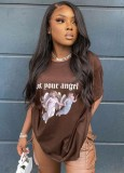 Camisa regular de cuello redondo marrón con estampado de verano