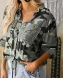 Blusa con estampado de camuflaje otoñal con bolsillos de lentejuelas