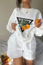 Set aus Sweatshirt und Shorts mit Herbst-Print in Weiß mit Rundhalsausschnitt