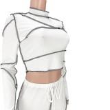 Conjunto de pantalón y top corto ajustado con estampado de línea brillante de otoño blanco