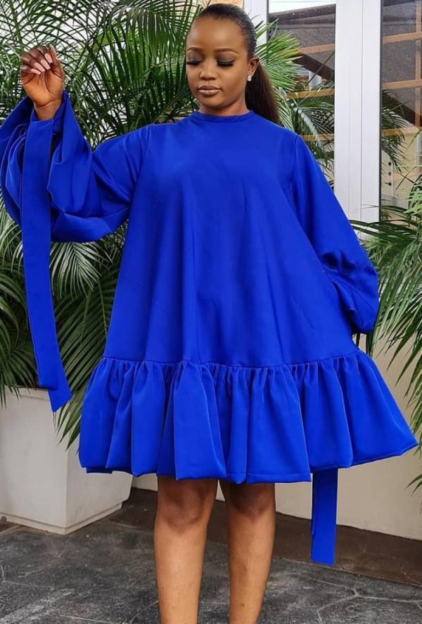 Vestido corto con cuello redondo y manga abullonada azul casual de otoño