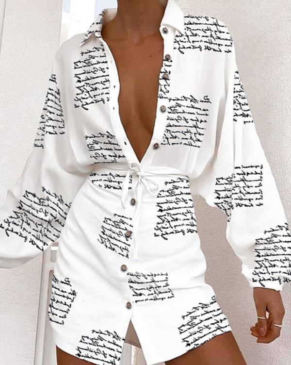Vestido de blusa de manga larga blanca con estampado de letras de otoño con cinturón