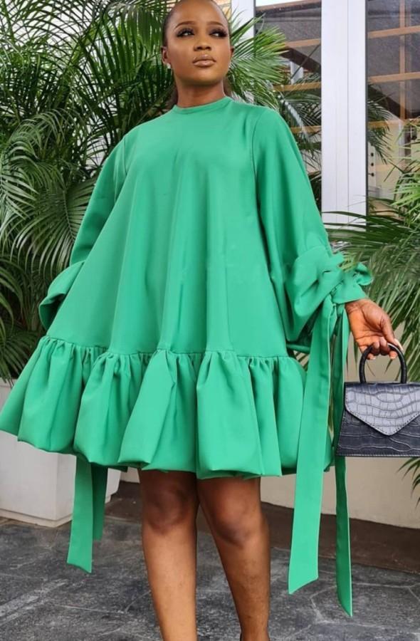 Vestido corto con cuello redondo y manga abullonada verde casual de otoño