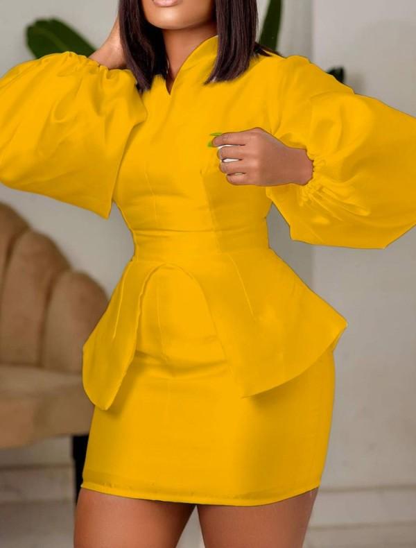 Conjunto de 2 piezas de top y minifalda con manga abullonada amarilla formal de otoño