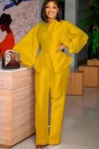 Set di pantaloni a vita alta e top con peplo giallo formale autunnale con maniche a sbuffo